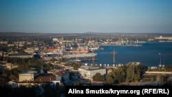 Керченский морской торговый порт, вид с горы Митридат