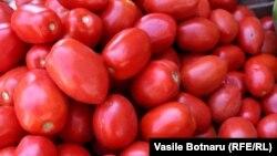 """Organizata Joqeveritare """"Konsumatori"""" së fundi ka ngritur një shqetësim për domatet e dyshimta në tregun e Kosovës"""