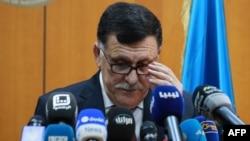 Фаєз аль-Саррадж виступає на прес-конференції у Тріполі, 30 березня 2016 року