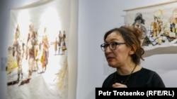 Сауле Сулейменова во время открытия выставки «Остаточная память». Алматы, 1 февраля 2019 года.