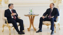 Azerbaijan - President Ilham Aliyev (R) meets with Hungary's Prime Minister Viktor Orban in Baku, 30Jun2012.