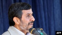 Iran -- President Mahmud Ahmadinejad speaks in the city of Shahrekord, 09Nov2011