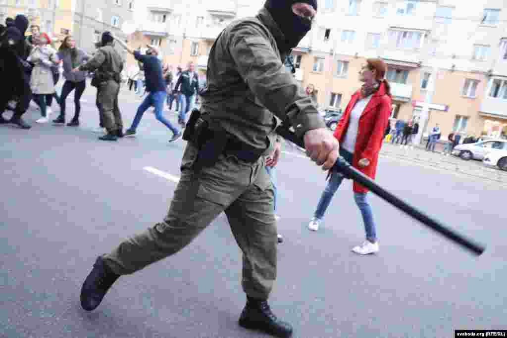 Також поліція застосувала кийки для примусового розгону мітингу