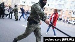 În Belarus continuă protestele anti-prezidențiale, la care forțele de ordine reacționează în forță, 8 septembrie 2020.
