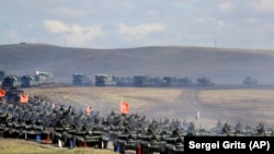 Rusiyada paradda Çin tankları