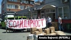 Aktivisti brojnih nevladinih organizacija i udruženja su se ujedinili i svakodnevno prikupljaju i donose pomoć