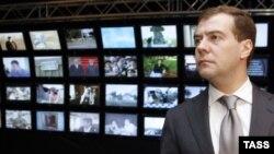 Дмитрий Медведев: «Нас не могут не волновать имеющиеся факты умышленных, преднамеренных действий по вытеснению русских изданий с информационного пространства в отдельных странах»