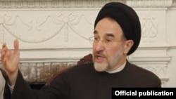 محمد خاتمی، رئیس جمهور پیشین ایران این روز ها آماج حملات حامیان دولت در ایران قرار گرفته است.