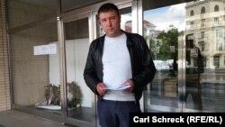 Володимир Лузгін після отримання відмови у політичному притулку в Чехії, 15 травня 2018 року