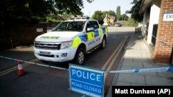 Policia britanike duke bërë kërkime në Eimsbëri.