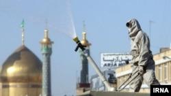 Коронавирус күч алган Кум шаарындагы дезинфекциялоо иштери. Иран. Март, 2020-жыл.