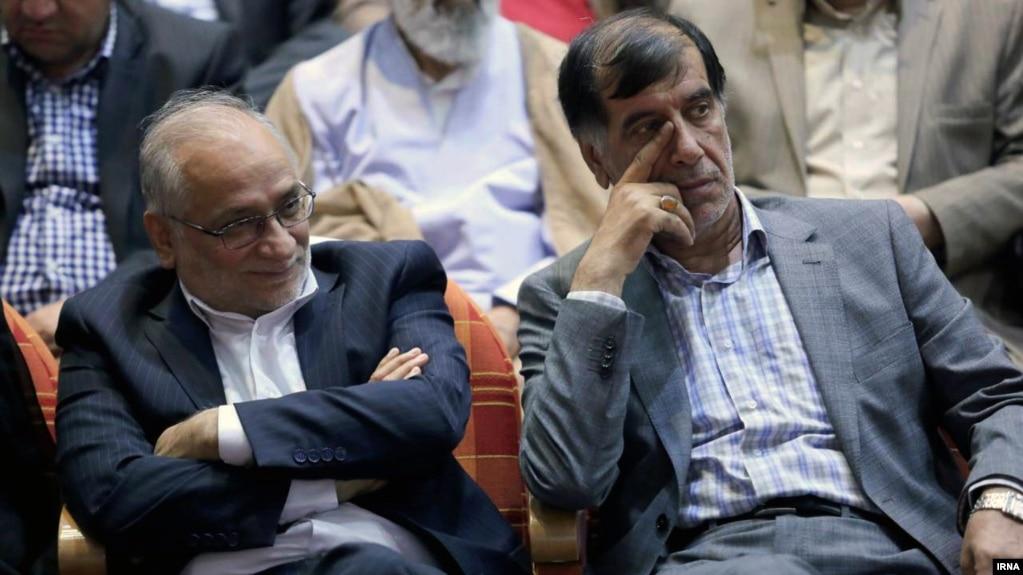 حسین مرعشی (چپ) و محمدرضا باهنر؛ هر دو عضو هیئت امنای مؤسسه مولیالموحدین