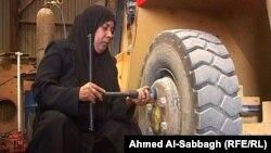 سائقة شاحنة من الديوانية(الارشيف)