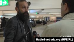 Суддя Артур Ємельянов не надто охоче спілкувався з журналістами