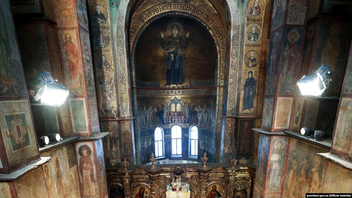 УГКЦ отменила свою литургию в Софии Киевской, против которой выступал Филарет