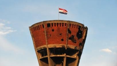 Vodotoranj, jedan od prepoznatljivih simbola Vukovara također je bio uništen