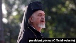 Представник Вселенського патріарха Варфоломія митрополит Гальський Еммануїл