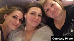 Татьяна Синицына с дочерьми