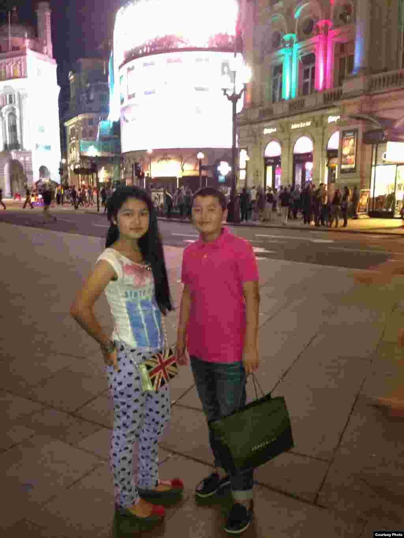 Рухшона и Сухроб в Лондоне