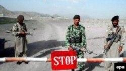 Во время визита американского гостя Кабул и Исламабад обменялись публичными обвинениями в пособничестве талибам. Пакистанский кордон на существующей во многих местах лишь на бумаге границе