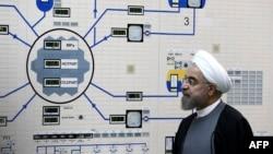 Iranski predsednik Hasan Rohani u poseti nuklearnom postrojenju u predgrađu Bušehera, Iran, fotoarhiv