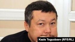 Бұрынғы оқытушы Рафаэль Балгин сот залында. Алматы, 9 желтоқсан 2011 жыл.