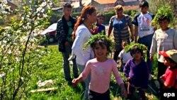 Цыганские дети в Сербии