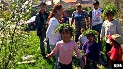 Во время грузино-абхазской войны сухумские цыгане все поголовно куда-то исчезли, когда же в конце 1993 года вновь появились, многие коренные сухумцы переглядывались и говорили: «Ну, все, значит, будет мир»