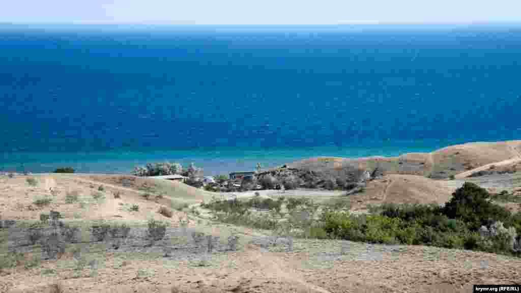 Краєвид на «Пікаділлі» (одне з місць у бухті, де можна розташуватися з наметом)