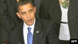 Президент Обама навбатдаги буйруққа қўл қўйиш орқали¸ Жорж Буш бошлаган яна бир жараëнни терсига айлантирди.
