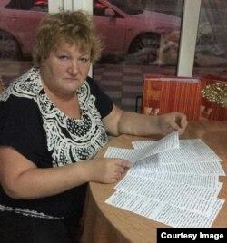 Елена Барзукаева читает письмо сына о пытках