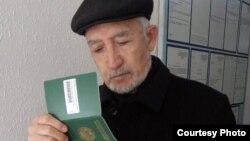 Бако Садыков в январе 2018 года получил паспорт гражданина Узбекистана