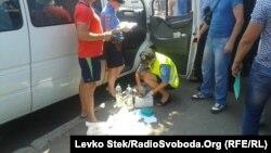 Напередодні у Чернігові затримали авто з комплектом підроблених печаток виборчих комісій 205-го округу