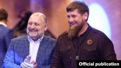 Министр Чечни по нацполитике, внешним связям, печати и информации Джамбулат Умаров и глава ЧР Рамзан Кадыров, архивное фото