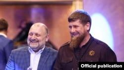 Рамзан Кадыров (справа)
