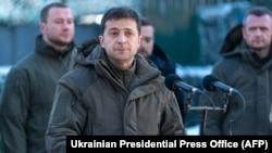 Украина президенті Владимир Зеленскийдің Украина шығысындағы әскери базаға барған кезі. Украина, 6 желтоқсан 2019 жыл.