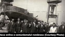 Ceaușescu era mândru de flota României. Vizită pe şantierul naval Drobeta- Tr. Severin (16 mai 1972). Fototeca online a comunismului românesc; cota:48/1972