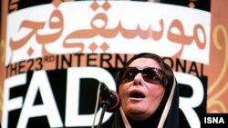 پر ی زنگنه، خواننده زن ایرانی
