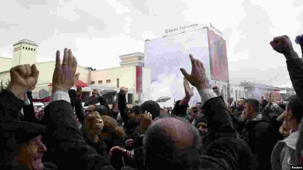 Slavlje u Prištini nakon oslobađajuće presude, 29. novembar 2012. Foto: Reuters / Hazir Reka