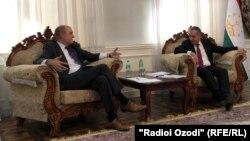RFE/RL Presses Tajikistan To Accredit Journalists, Cease Harassment