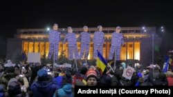 Mânie și umor. A patra zi de proteste antiguvernamentale în România