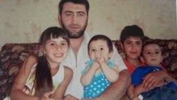 Сім'я кримськотатарського в'язня Енвера Мамутова