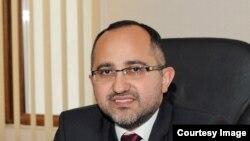 Əkrəm Həsənov, iqtisadçı