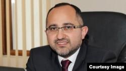 Əkrəm Həsənov, Bank eksperti