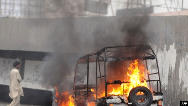 A recent wave of street battles in Karachi this month left 120 people dead.