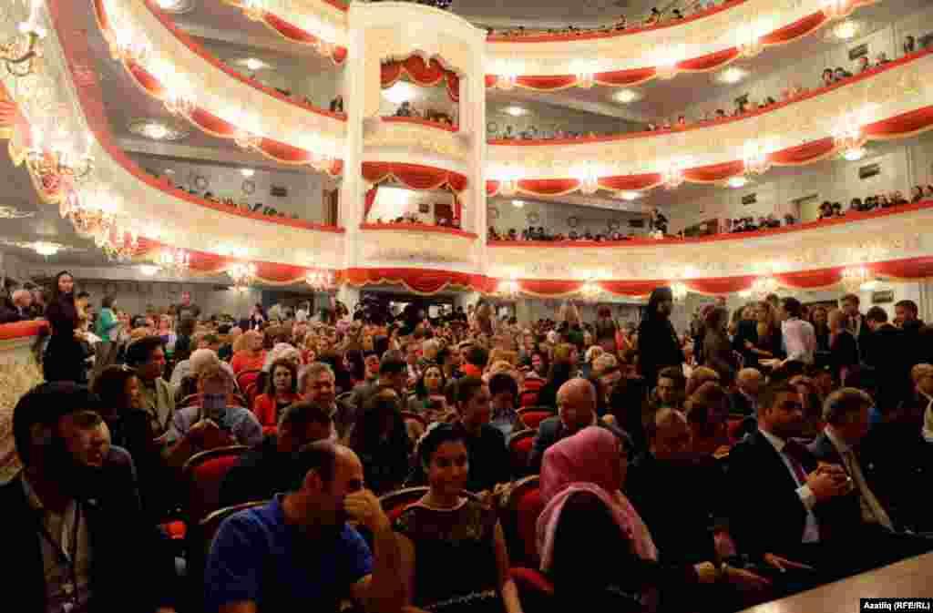 Җәлил исемендәге опера залы шыгрым тулы иде