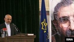 دبير کل جبهه مشارکت، از سیاست های رییس جمهوری ایران به شدت انتقاد کرد.
