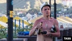 Российский турист в Крыму, 13 июля 2016 года