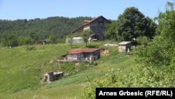 Селото Осве во близина на Маглај.