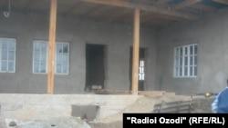 Один из разрушенных домов в джамаате Куштеппа